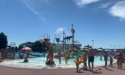 All'acquapark negato lo sconto famiglia a una coppia di due papà con i bimbi