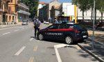 """""""Mettete la mascherina"""", e loro picchiano l'autista del bus: denunciati due giovani"""
