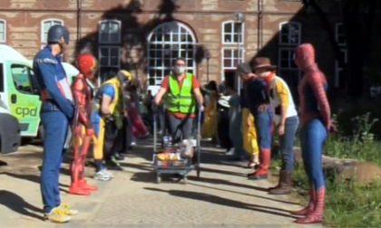 Covid, supereroi della Marvel a Torino per ringraziare i volontari FOTO