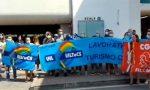 Troppo caldo al Carrefour di Grugliasco: svengono tre dipendenti, tutti in sciopero