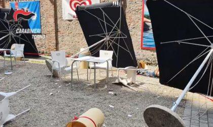 Armato di bastone, danneggia dehors del bar della Basilica di Superga: clienti in fuga FOTO – VIDEO