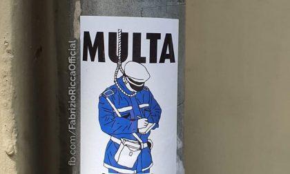 """Multa """"al cappio"""": manifesti abusivi contro la Polizia Municipale"""