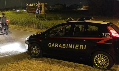 Sorpresi in auto con un etto di droga e 4mila euro in contanti: arrestati per spaccio