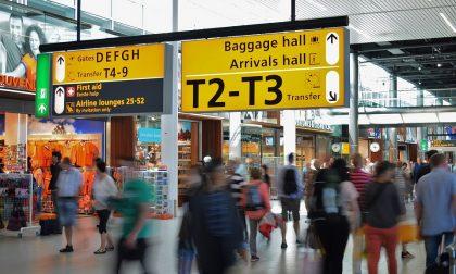 Quattro passeggeri positivi al Covid sul volo di ritorno da Ibiza atterrato a Torino