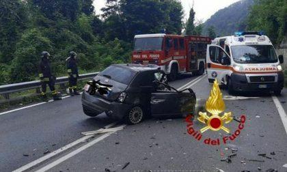 Schianto fatale per un automobilista contro un camion: morto 64enne