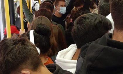 Prendere il bus nelle ore di punta a Torino sta diventando un vero incubo, ma forse una soluzione c'è