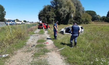 Schianto violento tra due auto sulla Torino-Aosta, muore un uomo