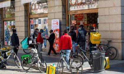 I riders torinesi protestano in strada per rivendicare i diritti che spettano loro