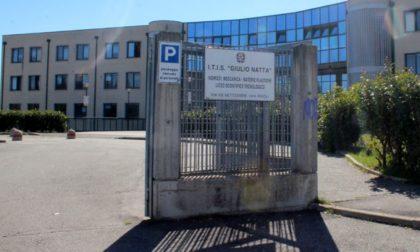 """Nel Torinese la prima scuola Covid-free: nelle aule arrivano i pannelli """"brucia virus"""""""