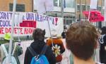 Covid e scuola: la protesta degli studenti davanti al liceo Einstein