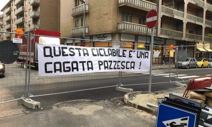 Via Nizza: protesta alla Fantozzi contro la ciclabile