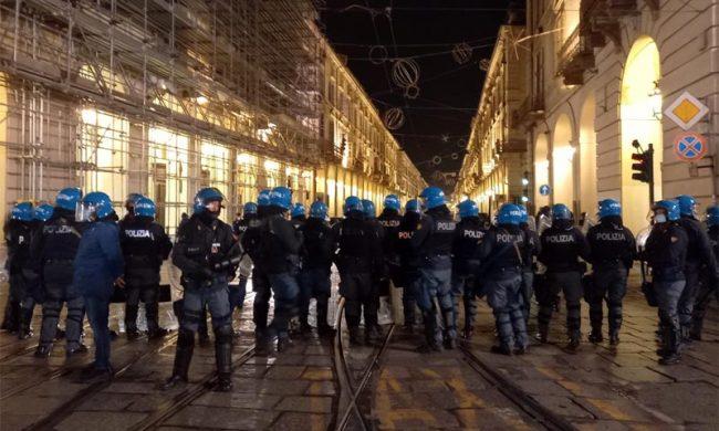 Proteste Dpcm: la situazione in centro a Torino è calma (come una bomba)