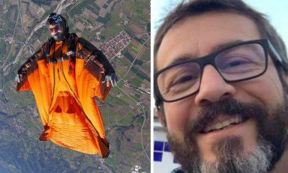 Schianto fatale con la tuta alare: morto 46enne torinese
