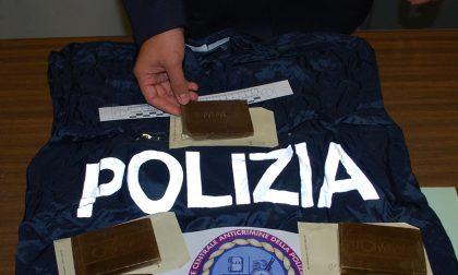 """Fidanzati con il """"fumo"""" sotto il cuscino, pizzicati dalla Polizia"""