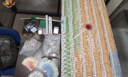 Arrestato il pusher della domenica, nascondeva in casa droga e 22mila euro in contanti