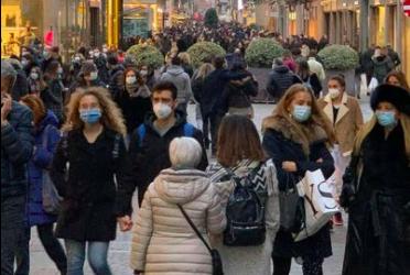 Code e assembramenti per shopping: giro di vite di Cirio, subito più controlli
