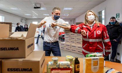 Lapo Elkann dona 450mila euro per l'acquisto di generi di prima necessità