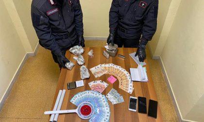Market della droga aperto h24: sequestrati 600 grammi tra eroina, hashish e cocaina