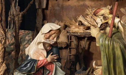 Presepe in sicurezza: nel Duomo di Torino Maria, Giuseppe e i pastori hanno la mascherina