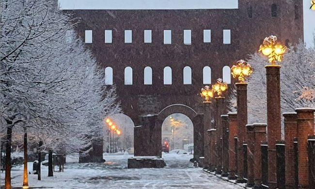 E' arrivata la neve a Torino: le foto della nevicata in città