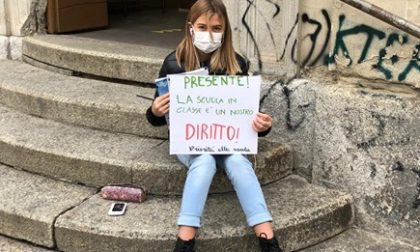Anita, la 12enne torinese in guerra contro la DaD diventa leader simbolo in Europa