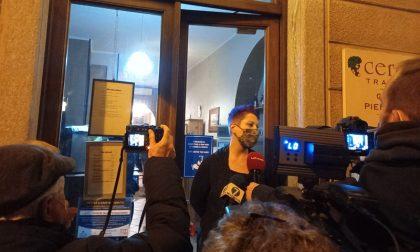 Protesta #Ioapro1501 a Torino: trattoria chiusa e sanzionata, i clienti organizzano una colletta per la proprietaria