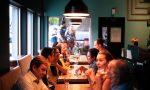 Furbetti del Covid a cena al ristorante: locale chiuso e 19 avventori multati