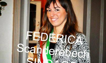 Nel post dell'ex candidata al Pd (ora passata a Forza Italia) spunta un motto fascista