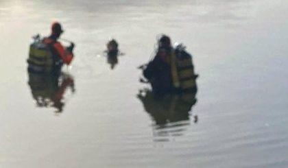 I sommozzatori dei Vigili del Fuoco al lago di Avigliana per prove di comunicazione radio