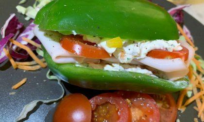 Peperone croccante al posto del pane e nel mezzo tanta fantasia: è il pepesandwich di Carmagnola