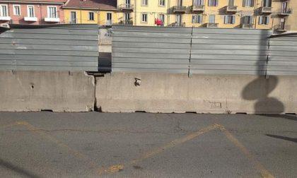 """L'incubo dei commercianti di corso Grosseto: prima la pandemia, ora il cantiere che li """"mura vivi"""""""