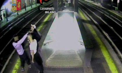 Estorsioni, rapine e furti sui mezzi pubblici: ecco il video che mostra come agivano