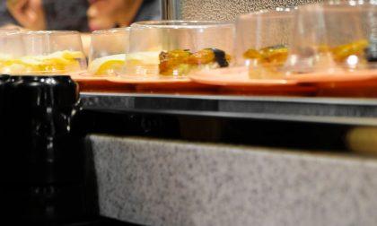 Ispezione al ristorante giapponese: sequestrati 20 kg di alimenti mal conservati