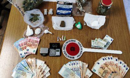 """""""Piccolo market"""" della droga in casa, arrestato un trentenne"""