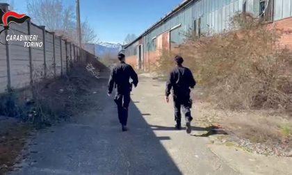 Arrestato mentre tenta di smontare (e rubare) porte e finestre di un capannone industriale in disuso