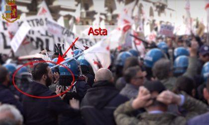 Scontri con Polizia e Pd per prendere la testa del corteo No Tav: blitz contro il centro sociale Askatasuna