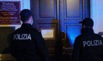 """Festa di compleanno nel ristorante chiuso: arriva una """"soffiata"""" e la Polizia multa tutti"""
