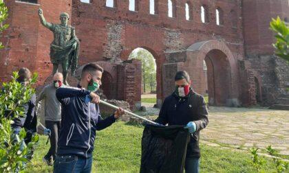 Volontariato ecologico: Torino Tricolore ripulisce il parco di Porta Palatina