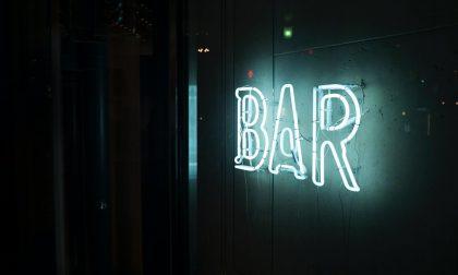 Aperitivo abusivo: chiuso il bar, sanzionato il titolare