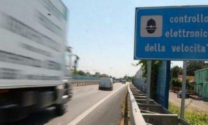 A 242 chilometri orari sulla Torino-Aosta, maxi multa e patente ritirata
