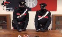 Viaggiano in auto armati di pistole, arrestati due giovani a Pinerolo