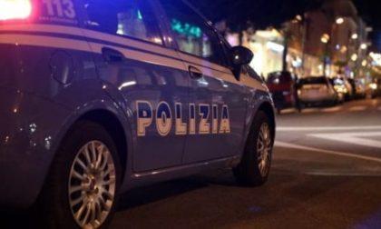 """Ai """"domiciliari"""" con la nonna, evade di notte e aggredisce i poliziotti"""