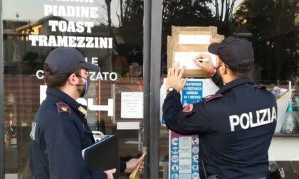 Saracinesca abbassata ma al bar si vendono alcolici: scatta la chiusura