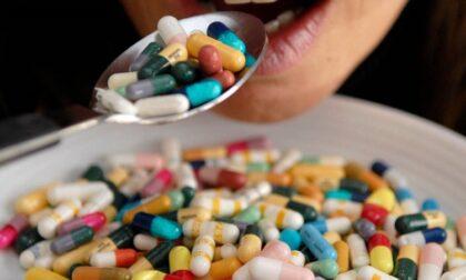 """Medicine made in China e bustine anti-Covid """"farlocche"""": maxi-sequestro dei Nas"""