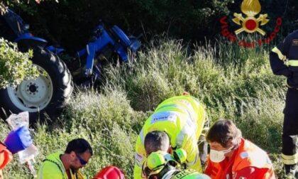 Cade con il trattore in una scarpata: muore 58enne