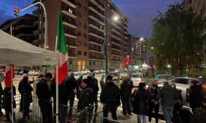 """""""Basta degrado nei quartieri"""": il presidio di Torino Tricolore ai giardini Salvador Luria"""