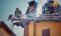 Incendio in abitazione a Carmagnola: le fiamme intaccano il tetto