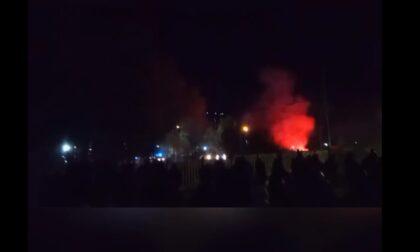 No Tav, continuano le proteste: A32 bloccata con un cavo d'acciaio e assalto alla ferrovia con razzi e pietre