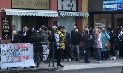 Disobbedienza civile Spritz in un bar aperto nonostante il divieto