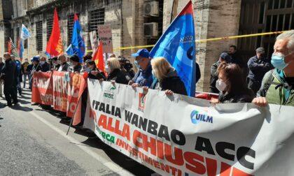 E' il momento decisivo per i 398 lavoratori ex-Embraco: il 25 aprile scattano i licenziamenti